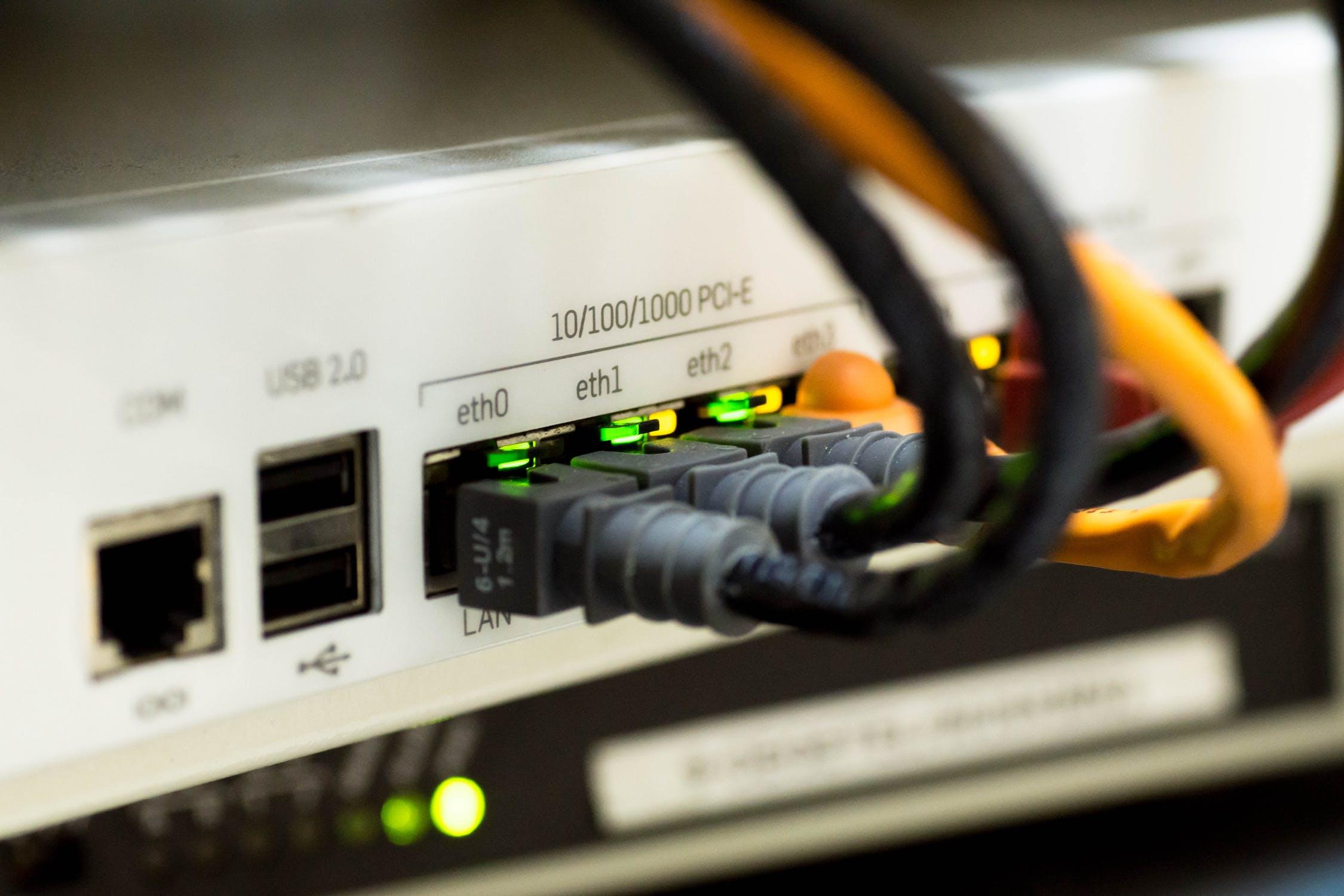 搭建电商平台租用美国站群服务器合适吗
