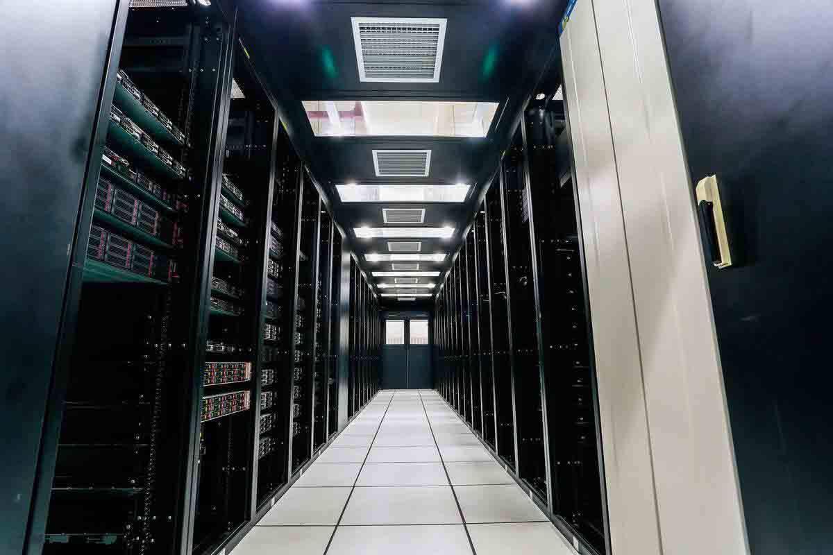 香港服务器托管到机房还有哪些优势合适企业用户?
